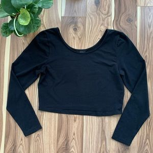 ARITZIA / TALULA | black cropped long sleeve L